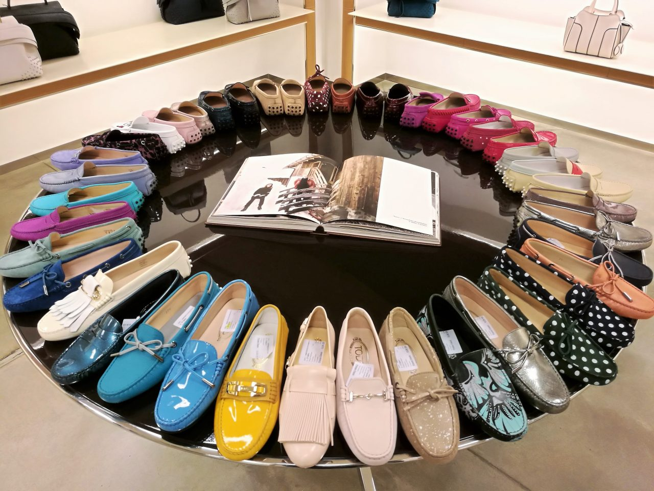 Moccasins 2019: most glamouros new trends Spring-Summer 2019