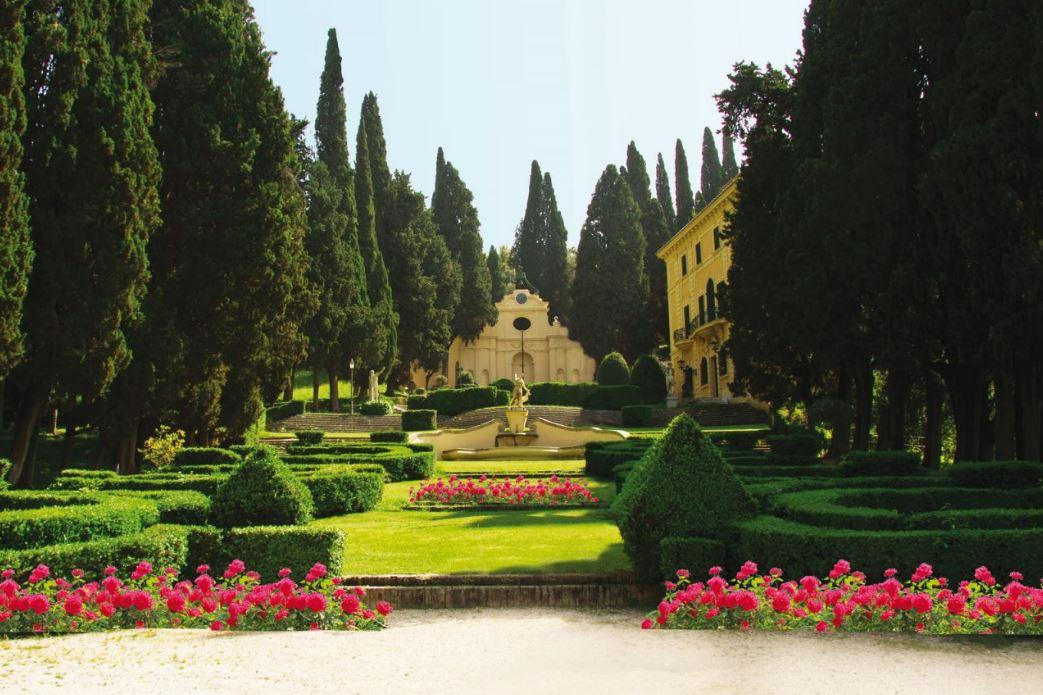 I 5 Giardini piu belli del Centro Italia da visitare almeno una volta Villa Fidelia Spello 4