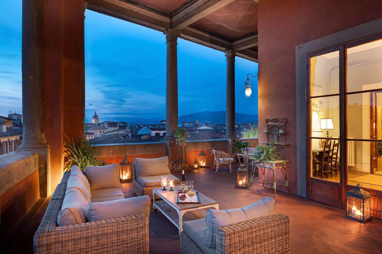 I Rooftop Bar con vista piu belli ed esclusivi a Firenze 2 La Loggia roof bar – Palazzo Guadagni