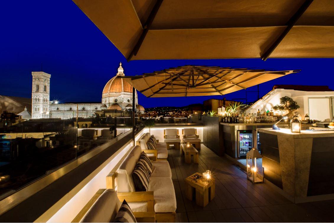 I Rooftop Bar con vista piu belli ed esclusivi a Firenze 3 Divina Terrazza Hotel Cavour