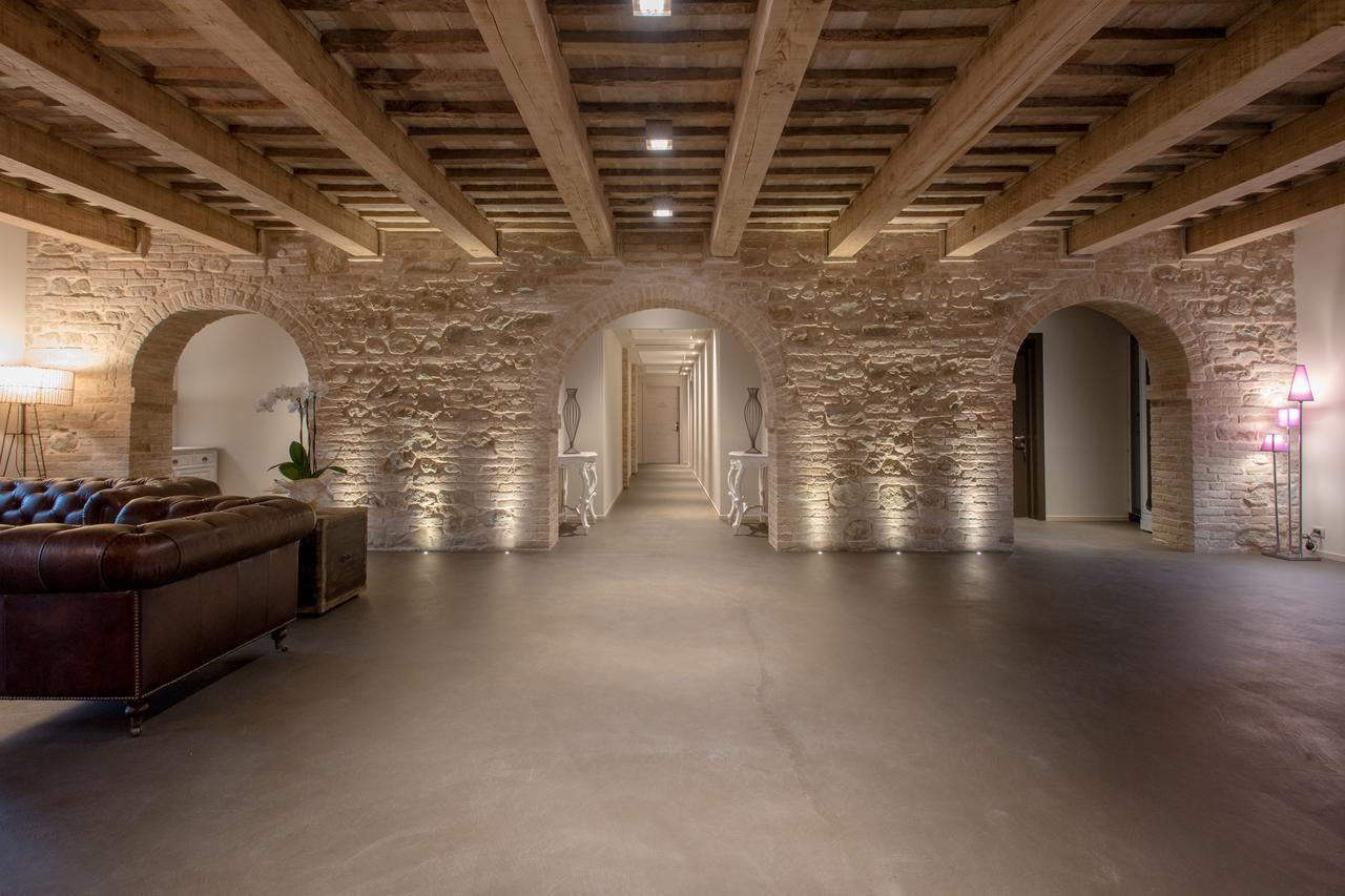 Weekend per Spacci Imperdibili tra Umbria Marche e Toscana Villa Anitori - Marche